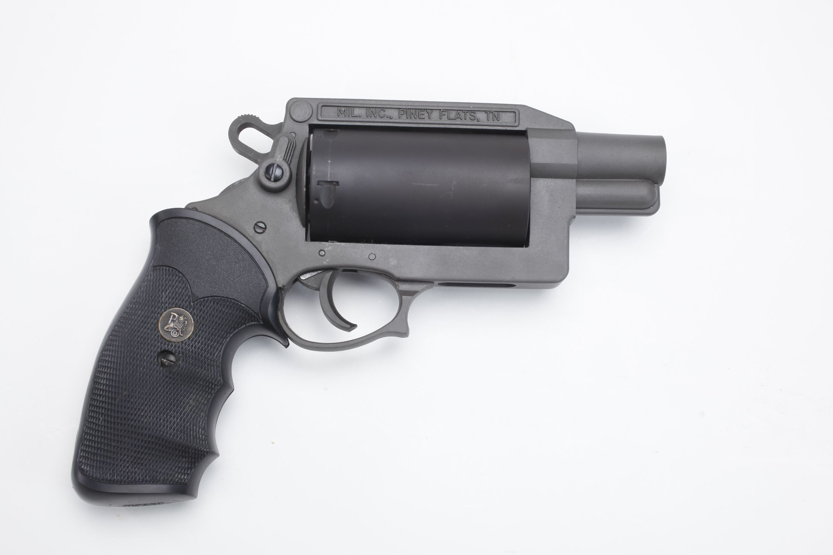 MIL Inc Thunder Five revolver