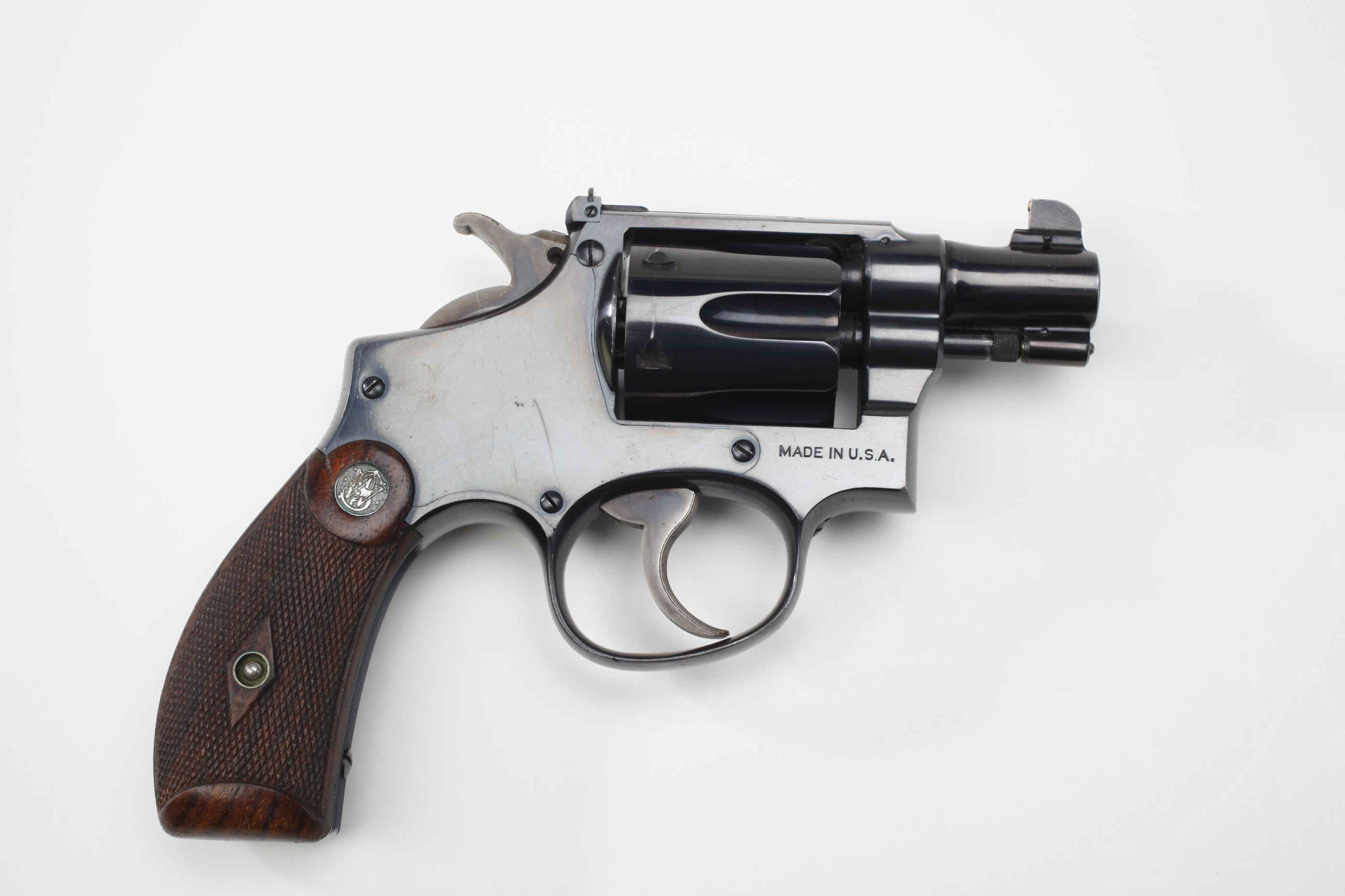Smith & Wesson Military and Police Revolver (1)