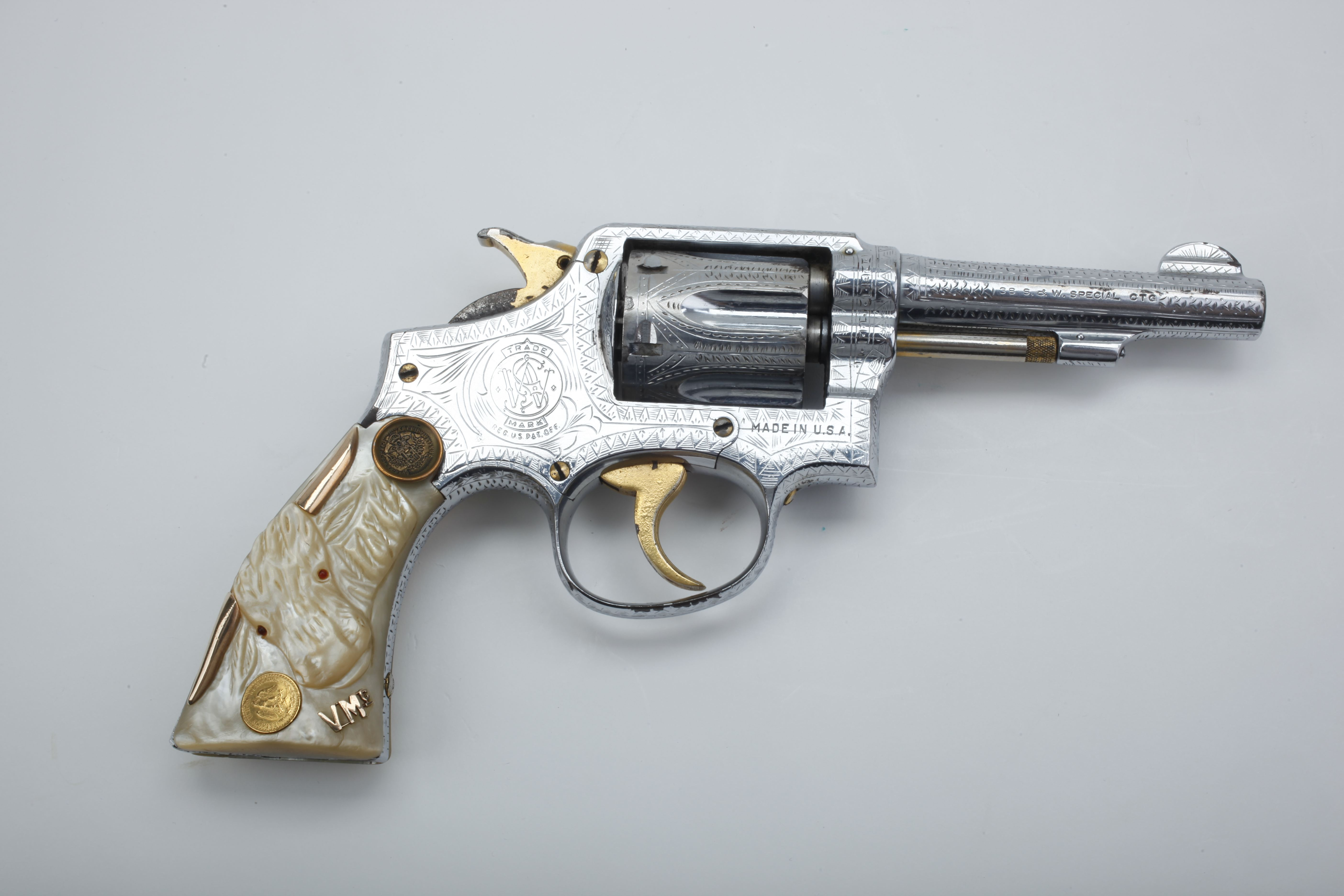 Smith & Wesson: Military & Police Revolver
