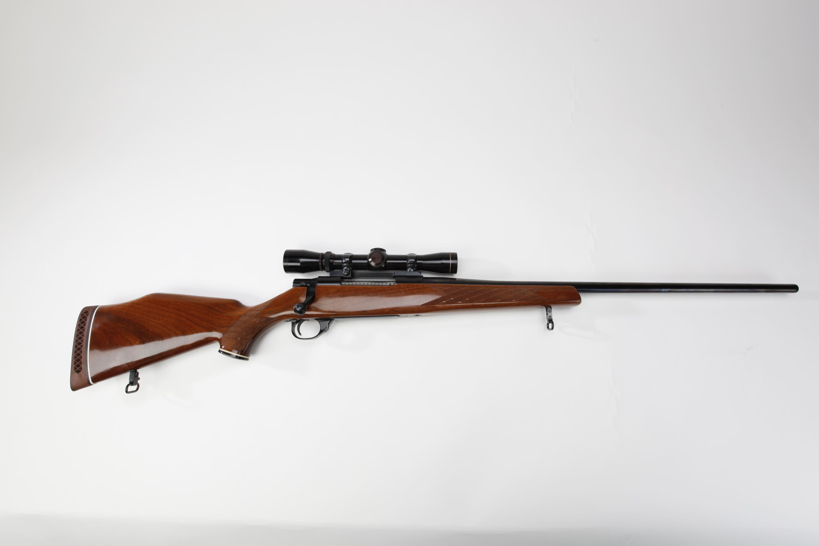 Smith and Wesson Model 1500 Rifle w Leupold scope